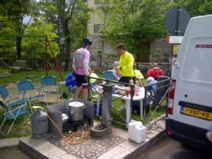 11juni2012_6_Monteleone di Spoleto, lunch voor de afgepijgerde fietsers, hierna nog 30 km klimmen