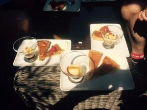 Juni 3, 2015 Koffie met rijke taart in Luchon (4)