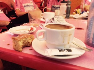Mei 30, 2015 Koffie met lokaal gebak
